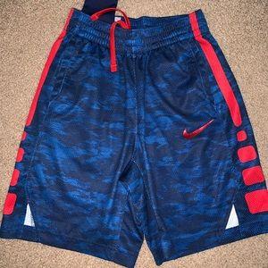 Boys nike shorts medium